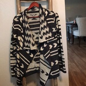 Great condition Charlotte Russe geometric sweater